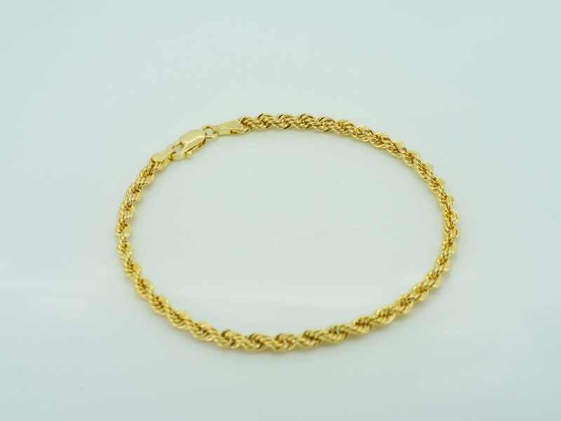 Modisches Goldkordelarmband