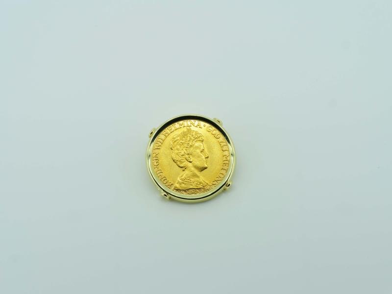 Einzigartiger Gelbgoldanhänger mit Münze