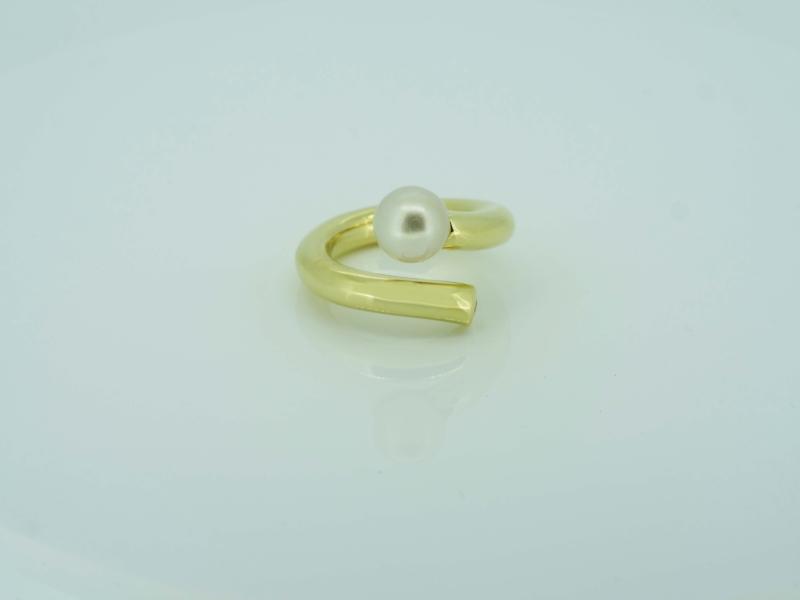 Aufregender Damengoldring mit Perle