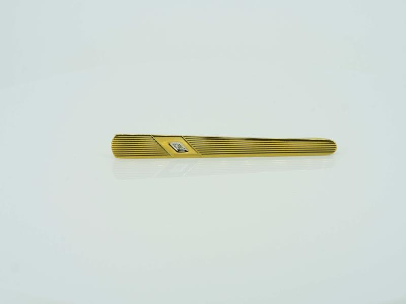 Zeitloser Krawattenhalter in Gelbgold